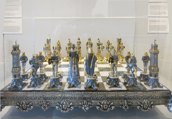 MHM_Chess_7889_Charlemagne_1000